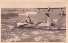 Côte Belge .Deux Dames Dans Une Périssoire - Cartes Postales