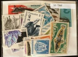 TAAF LOT 50 TIMBRES  Tous Differents Neufs ET Obliteres - Tierras Australes Y Antárticas Francesas (TAAF)