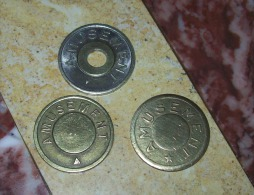 3 Jetons Amusement + 2 Jetons Téléphone Italien Et Français  (téléphonico + PTT) - Monétaires / De Nécessité