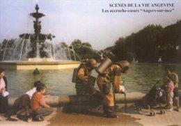 Angers..animée..les Accroches-Coeurs..scaphandriers Dans La Fontaine Du Mail - Angers