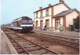 ACACF 016 - TER Avec Loco BB 67306 En Gare De RETIERS (35) - SNCF - Stations With Trains