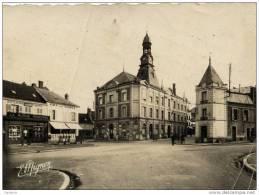10 -ROMILLY-Place De L´Union- Hôtel De Ville-cpsm, En L´état - Romilly-sur-Seine