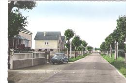 Semoy 45  : Voiture Simca Aronde Dans L'avenue Gallouedec  - Années 60 - Andere Gemeenten