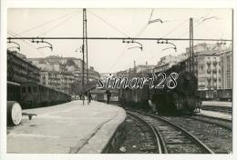 CARTE PHOTO DE TRAIN EN GARE D´AMARA  - (ESPAGNE) - Gares - Avec Trains