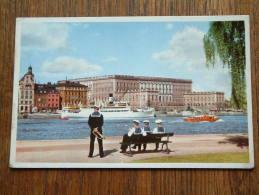 Stockholm : Slottet Fran Skeppsholmen / The Royal Palace ( Animated Card ) Anno 1957 ( Zie Foto Voor Details ) !! - Suède