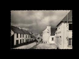 29 - LEUHAN - Entrée Du Bourg, Route De Lourdes - 7 - Poste - Sonstige Gemeinden