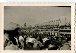 LE MANS 1963  -  PHOTO DES ANNÉES DÉBUT 60 PAS CARTE POSTALE FORMAT 9 X 13 - Places