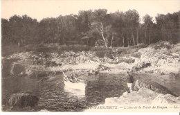Ile Sainte Marguerite (Cannes-Iles De Lérins)-+/-1920-L´Anse De La Pointe Du Dragon-Barque-Prison Du Masque De Fer - Cannes