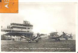 CARTE PHOTO - Lyon - Port Aérien De Bron - Avions De Tourisme Et De Transport ,voir Scan - Bron