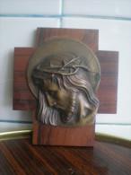 Ancien    Christs Objet D Art LOJOU BRONZE CISELE - Bronzes