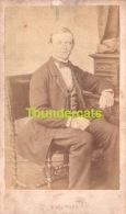 CDV CARTE DE VISITE PHOTO **   HOMME ** MALE ** A NEU MAISON LEBRUN BRUXELLES - Oud (voor 1900)