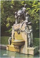 71. Gf. LE CREUSOT. Parc Du Château De La Verrerie. Groupe Représentant Les Enfants... 0203 - Le Creusot