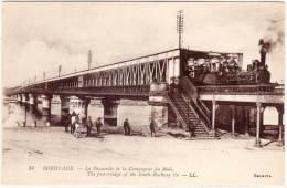 BORDEAUX - La Passerellle De La Cie Du Midi - Train    (58376) - Bordeaux