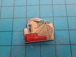 (pin713G) Pin´s Pins / Thème : ASSOCIATIONS / SNCF CFDT CHEMINOTS GARE VOIE FERREE  /  Marquage Au Dos : -------- ( Dans - Transports
