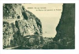 AMALFI - Via Per Sorrento, Italy, 00-10s   La Marina Dei Pescatori Di Praiano - Italia