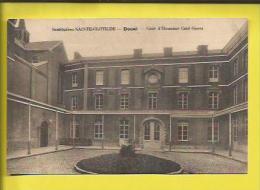 DOUAI  Institution SAINTE-CLOTILDE   Cour D´Honneur Coté  OUEST  Voir Scanner - Douai