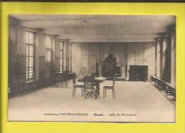 DOUAI  Institution SAINTE-CLOTILDE Salle De Récréation Voir Scanner - Douai