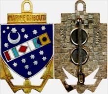 INSIGNE MARINE NATIONALE DJIBOUTI ETAT EXCELLENT DRAGO PARIS (SCAN RECTO / VERSO)