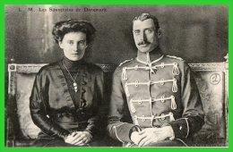 DEUX C.P.A-Visite Des Souverains Danois à Paris 1914..(rectos Versos) - Familles Royales