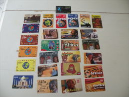 Lot De 27 Télécartes Le Monde - Phonecards