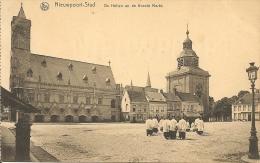 Nieuwpoort-Nieuport-stad- De Hallen En De Groote Markt. - Nieuwpoort