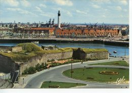 Calais : Fort Risban Quai A. Delpierre Et De La Colonne Louis XVIII Le Phare - N° H1,655R Estel - Calais