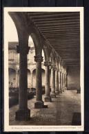 ALCALA DE HENARES.HOSTERIA DEL ESTUDIANTE.CLAUSTRO PATIO TRILINGÜE, RARA. NO  CIRCULADA 1950´s. M140 - Madrid
