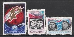 U.R.S.S. - 1974: Serie Di 3 Valori Nuovi Stl Dedicati Ai Voli MARTE 4,5,6,7 E SOYOUZ 14 E 15 - In Ottime Condizioni. - Espace