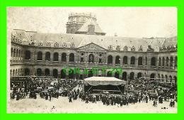 PARIS (75) - LES INVALIDES - GENRE EXPOSITION DE CANONS ET AVIONS MAIS OU ? - Other Monuments
