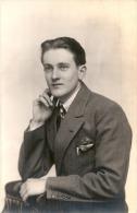 Jeune Homme  Photo Carte Syudio TTBE Neuve/unused  Année 1927 - Fotografia