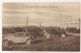 """Fouras. Le Rendez-vous Des Touristes à  """"La Fumée""""...Autos Rétros - Francia"""