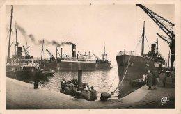CPA-1950-29-BREST-LE PORT DE COMMERCE-CARGOS Et REMORQUEURS-TB E - Brest