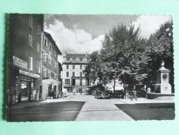BARCELONNETTE - Place MANUEL - Barcelonnette