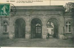 Arras  Le Portique De L'Hôtel De La Préfecture Vu De La Cour D'Honneur  Cpa - Arras