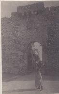 Taormina, Tor Mit Wasserträgerin, Foto-Ak Um 1900 - Italie