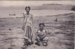 MAYOTTE - FEMMES A MAYOTTE. - Mayotte