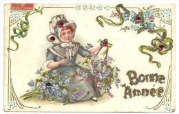 """CPA Gaufrée """"bonne Année"""" 1908 Illustration Petite Fille Costume Coiffe Fleurs, Ajoutis De Brillants, Paillettes - Neujahr"""