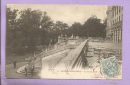 61 - BAGNOLES de l'Orne - le Grand H�tel - la Terrasse - anim�e - oblit�r�e en 1904