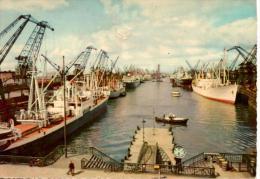 BREMEN : Überseehafen (légèrement Abimée En Haut Au Centre) - Bremerhaven