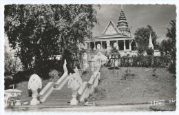Cpsm Bon Etat 9x14cm ,  Cambodge , Phnom-penh , La Pagode De Phnom , Carte Tres Propre - Cambodja