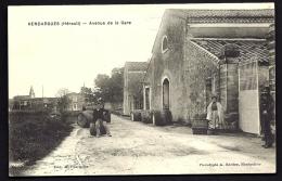 CPA ANCIENNE- FRANCE- VENDARGUES (34)- AVENUE DE LA GARE- CHAI DE VITICULTEUR- ANIMATION GROS PLAN- BARRIQUES- - Francia