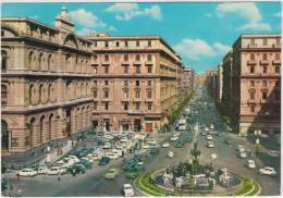 Napoli: FIAT 600 MULTIPLA TAXI, 500,600,1300 Etc., OPEL KADETT-A, MERCEDES Etc.- Piazza Della Borsa - Italia - Turismo