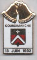 Beau Pin´s En EGF , Ville De Courdimanche , Cloches Claire & Apolline - Città