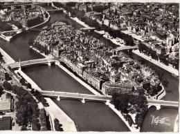 CPM  POST CARD Dentellée N°225 - PARIS 75 Seine - Vue Aérienne - L' Ile Saint Louis - Edit. GREFF  Paris - France