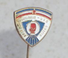 YUGOSLAVIA : USA  Boxing Match * Vintage Pin Badge Boxing Boxe Boxeo Boxen Pugilato Distintivo Anstecknadel - Boxing