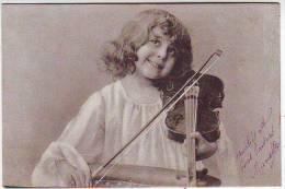 FANTAISIES . PHOTOGRAPHIE. SUPERBE PORTRAIT D'ENFANT. JOUANT DU VIOLON. P.F.B. SERIE 3305 - Portraits