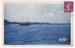 Ile D'Aix - Le Port - Photo Ramuntcho (fond Bleu) Circulé 1936 - Francia