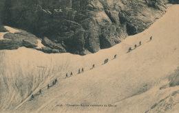 MILITARIA - Chasseurs Alpins Traversant Un Glacier - Edit. E. REYNAUD à CHAMBERY - Reggimenti