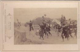 KABINETTFOTO Um 1890, Gemälde: Am Rhein Von Robert Haug, Soldaten Im Vormarsch Mit Trommlern, Pferd - Krieg, Militär