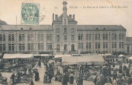 TOURS - Le Marché, Place De La Liberté - Tours